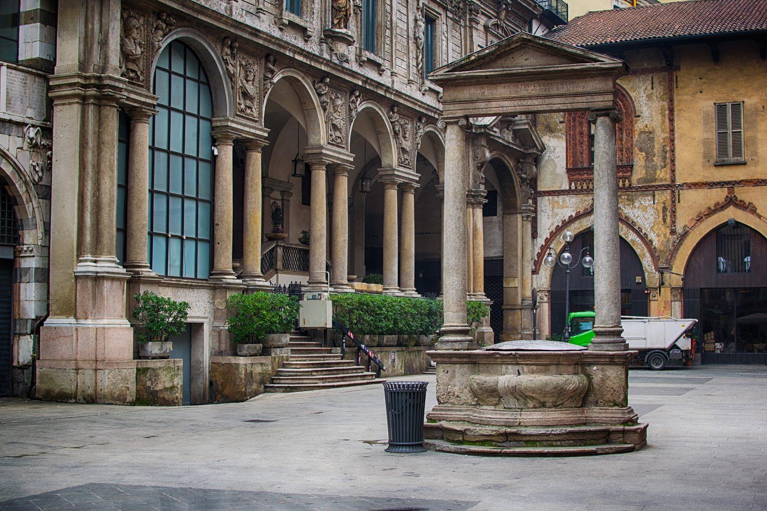 Merchants Square - piazza dei Mercanti Milano