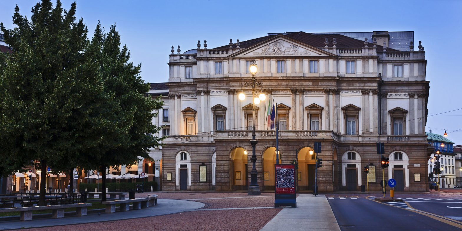 Merchants Square - piazza della Scala Milano